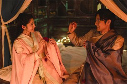 施易男、李千那《孟婆客棧》個性合拍 每一個放閃情節讓觀眾都融化了