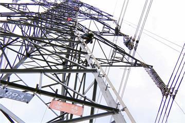 高屏空氣品質紅色警戒 台電興達電廠將降載
