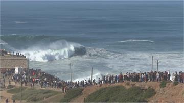 挑戰24公尺怪獸巨浪 全世界高手齊聚葡萄牙衝浪勝地