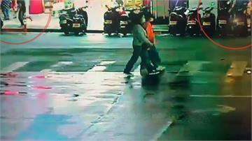 西門町街頭爆五打一 女疑遭騙財、騙感情撂人追打