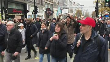 驚!未保社交距離、沒有戴口罩 英國近4百民眾上街抗議封城令