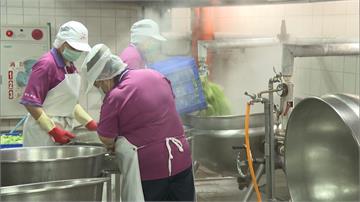 口罩荒!廚工缺醫療口罩 校方擔心成防疫破口