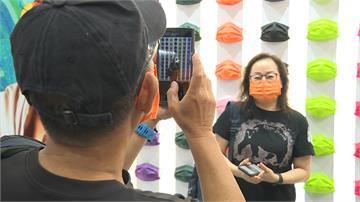 口罩雙雄對決!「萊潔」推4色迷彩PK「中衛」精品聯名款