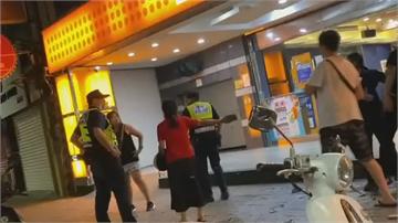 不滿警攔檢 男子怒嗆員警還丟鞭炮