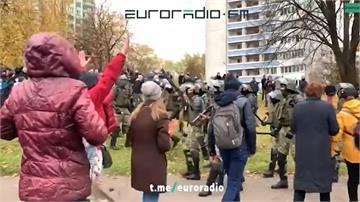 白俄連續13個星期天示威 警對空鳴槍示警
