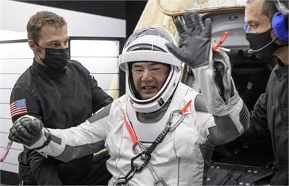 日太空人野口聰一談重返地球 有回到「水行星」強烈感受