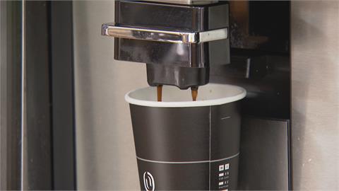 台灣人年外帶6億杯咖啡! 超商推燕麥拿鐵搶市