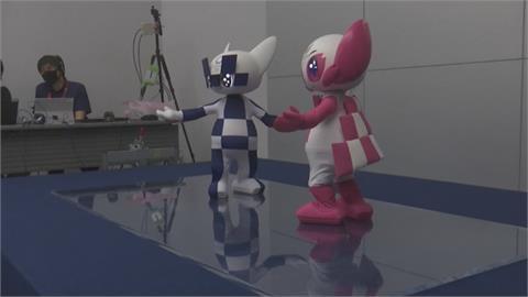 東奧吉祥物機器人 變身舞王超可愛