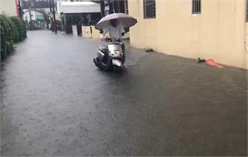 快新聞/屏東遭大豪雨強襲 枋寮、林邊多處傳出嚴重積水
