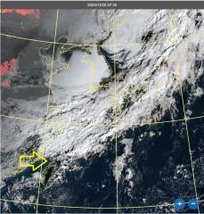 快新聞/鋒面雲系接近中! 午後北台灣有雨高溫約降4至5度
