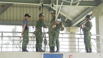 直擊國軍跳傘  傘訓、保傘過程大公開