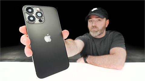 小瀏海樣貌確定了?iPhone 13 Pro Max模型機首曝光 4大改變搶先看