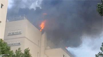 電子廠大火濃煙撲天 爆炸不斷疏散2千員工