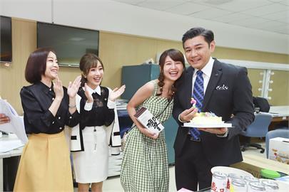 影/陳熙鋒進《黃金歲月》棚慶祝47歲生日 開心報結婚喜訊
