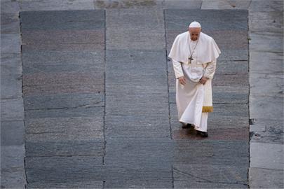 《教宗方濟各》即將首播 看他走過疫情後的世界角落