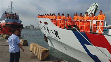 海巡署護衛船赴吐瓦魯接役男及日本人 日方發文大讚「可靠的好鄰居」