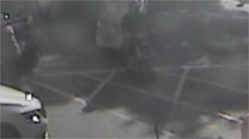 嚇!堆貨還堆人? 送貨員開堆高機上路撞傷阿伯