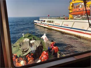 快新聞/東港漁船助救援卻被提醒超載 漁業署稱「誤會」:全額補助檢疫費用