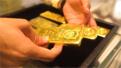 疫情衝擊快活不下去!印度人紛賣黃金變現