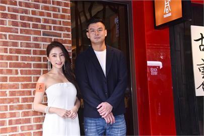 新8點檔女神張家瑋亮麗為燒肉名店站台 透露將推出性感寫真書!