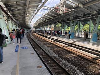快新聞/「秋冬專案」12月啟動 台鐵宣布:進入車站與車廂須戴口罩