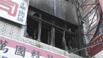 快新聞/高雄鳳山民宅暗夜惡火! 母抱女嬰從3樓逃生墜落 3人傷重不治