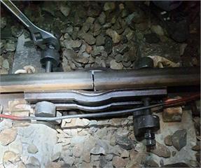 快新聞/寒流發威! 台鐵池上站鋼軌斷裂0.8公分 疑低溫造成焊點拉裂