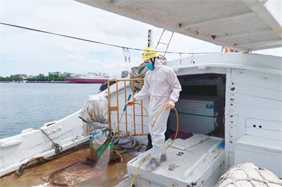 快新聞/台南外海攔查走私人口漁船  船上7人「PCR呈現陽性」