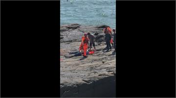 宜蘭大溪漁港釣客遭浪捲落海!4人救起無呼吸 心跳3人輕傷送醫觀察