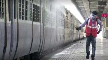 印度新德里疫情升溫 500節火車車廂成臨時病房