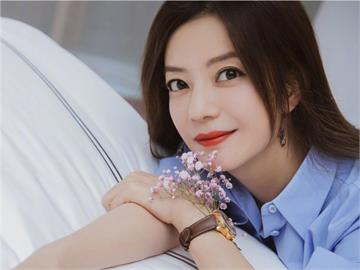 辣爆了!趙薇華麗「透視鏤空」人魚禮服 全網超嗨:太誘人了