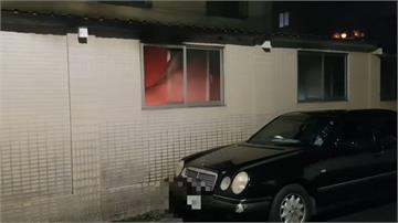 疑電線短路車庫起火 一牆之隔險燒毀跑車