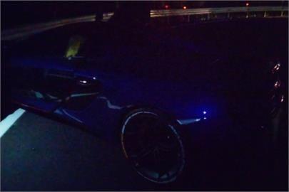 超跑夜奔北宜公路第1個彎就車禍 1500萬麥拉倫疑過彎不慎自撞護欄!