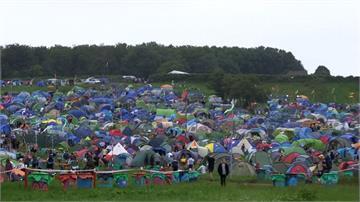 世界最大露天音樂節 13萬人皆須露營
