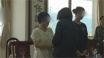 蔡英文慰問吳彥霆家屬  媽媽哭泣:兒子是最棒的