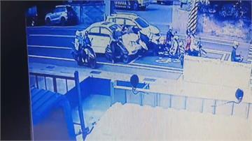 駕駛疑高血壓頭暈 高速衝撞騎士5傷1死