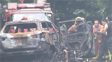 貨車疑超車不慎撞休旅 老婦受困燒成焦屍