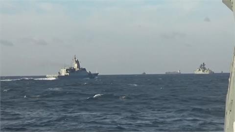 中軍通過津輕海峽與外國軍艦過台海相同? 中國外交部強烈反駁