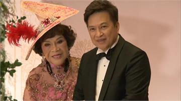 阿姑、李朝永世紀婚 伴郎伴娘加總逾千歲