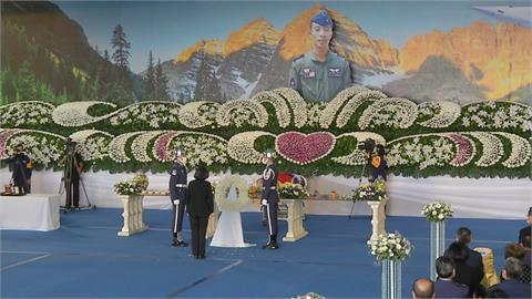 任務結束了! 蔡總統頒褒揚令勉勵國軍「代替尚樺捍衛領空」