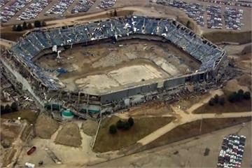 第二度引爆 底特律銀彈體育場終倒塌
