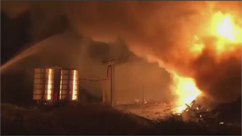 萬丹豆皮工廠火警 緊急抽鄰居蝦池水救火
