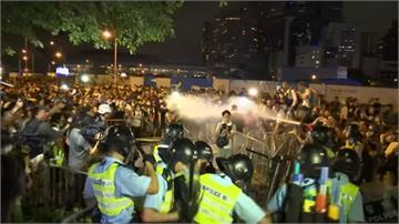 無視百萬人「反送中」遊行 港府態度強硬、引爆警民流血衝突