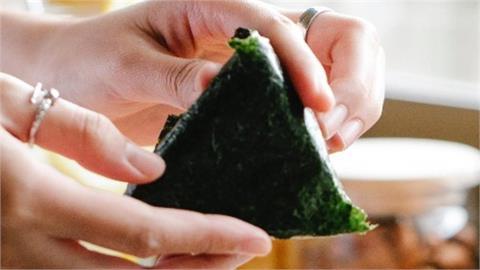 三角飯糰「添加這物質」1顆就催眠?日本超商「3大危險食物」全部高人氣