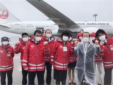 日本馳援台灣124萬劑AZ疫苗 日航專機起飛赴台