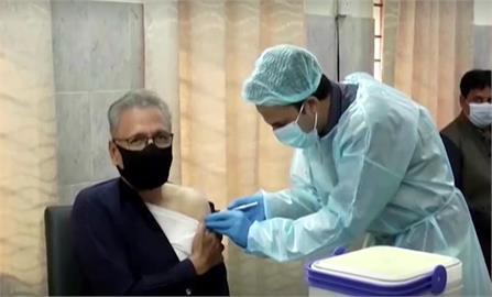 快新聞/接種武肺疫苗第一劑後 巴基斯坦總統推特證實確診