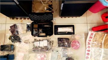 一人坐擁火藥庫 警搜出烏茲衝鋒槍、百包毒品
