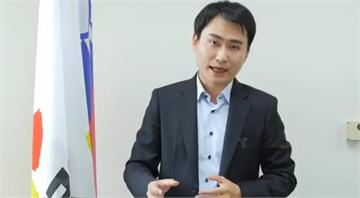 快新聞/被爆享盡特權 北市副發言人陳冠廷請辭 柯文哲慰留