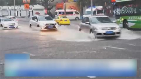 天災頻頻... 四川強震後 重慶雨水倒灌淹地鐵