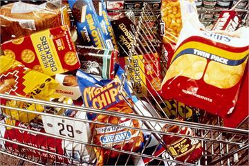 還在用零食給孩子當獎勵?專家曝家長常見NG行為